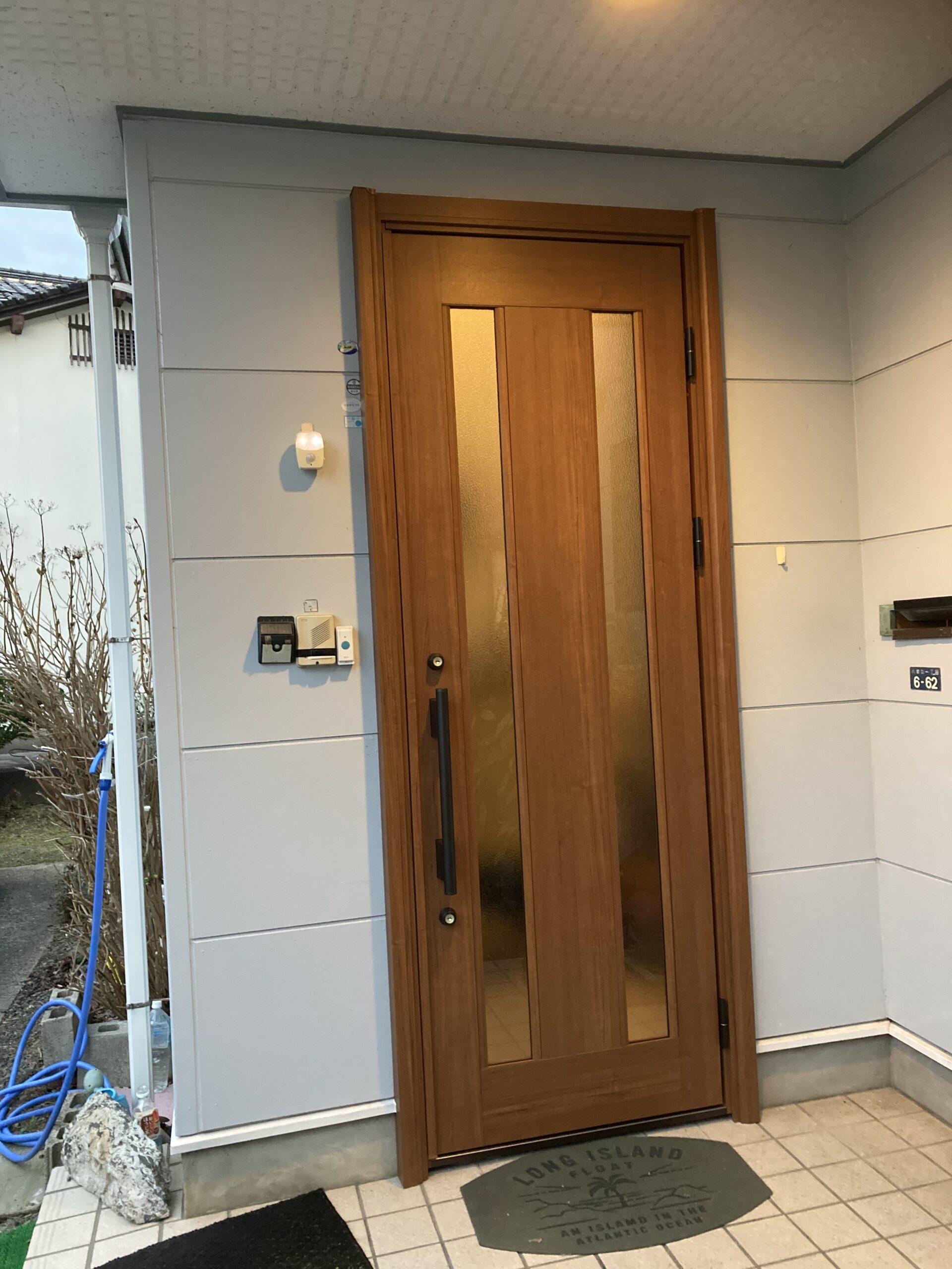 玄関ドアーを交換しました。