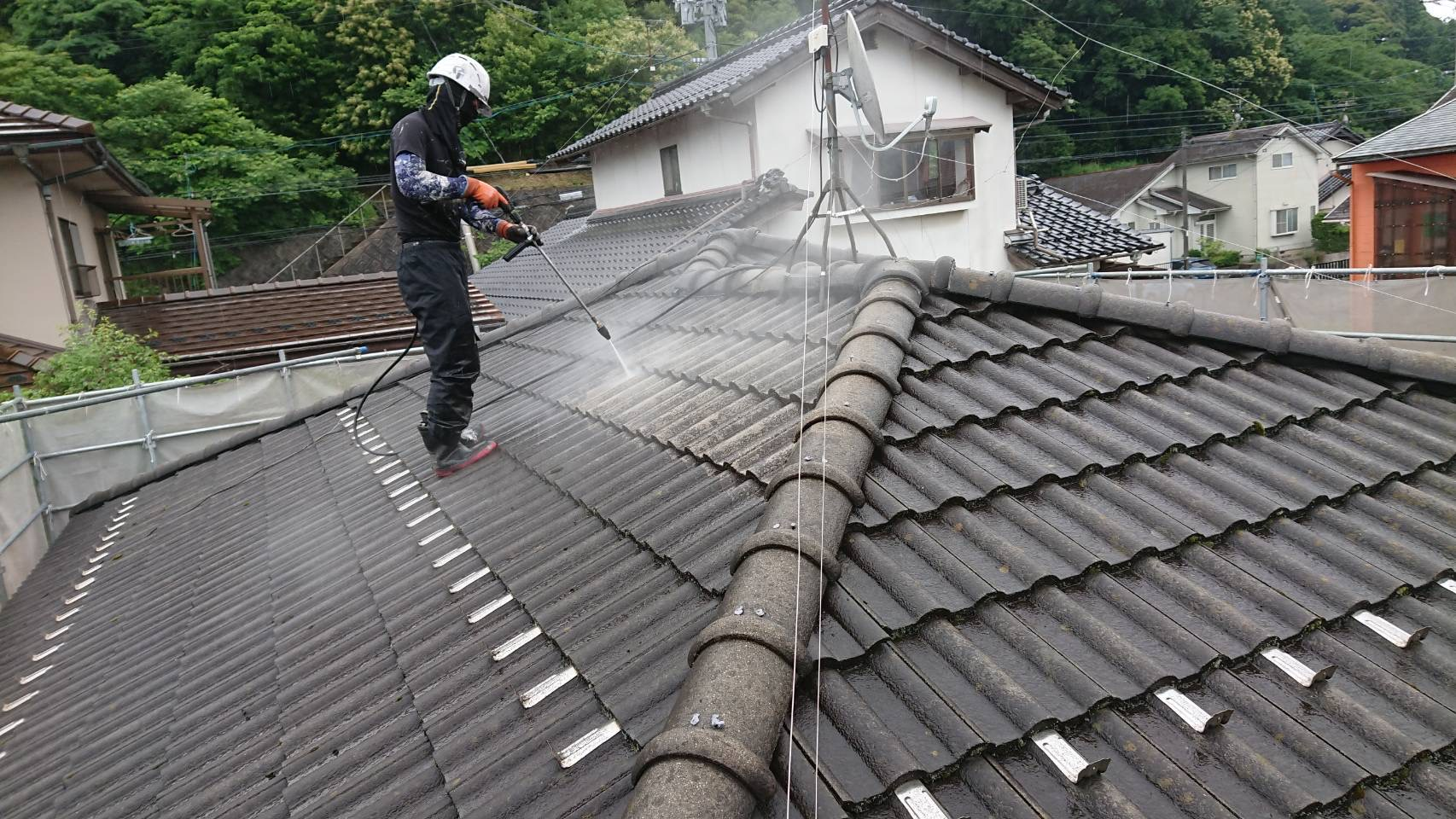 松江市屋根・外壁塗替え工事。高圧洗浄